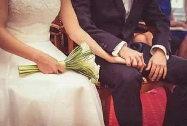 #She: leave my hand we&#39;re in public...  #He: let the world know that you&#39;re my world.<br>http://pic.twitter.com/1uzeMHgHn2