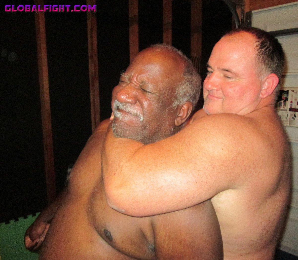 My garage wrestling bud from  http:// GLOBALFIGHT.com  &nbsp;   #garage #wrestling #home #backyard #wrestlers #fighting #musclebears #black #daddy #guy<br>http://pic.twitter.com/gOjwrKtt77