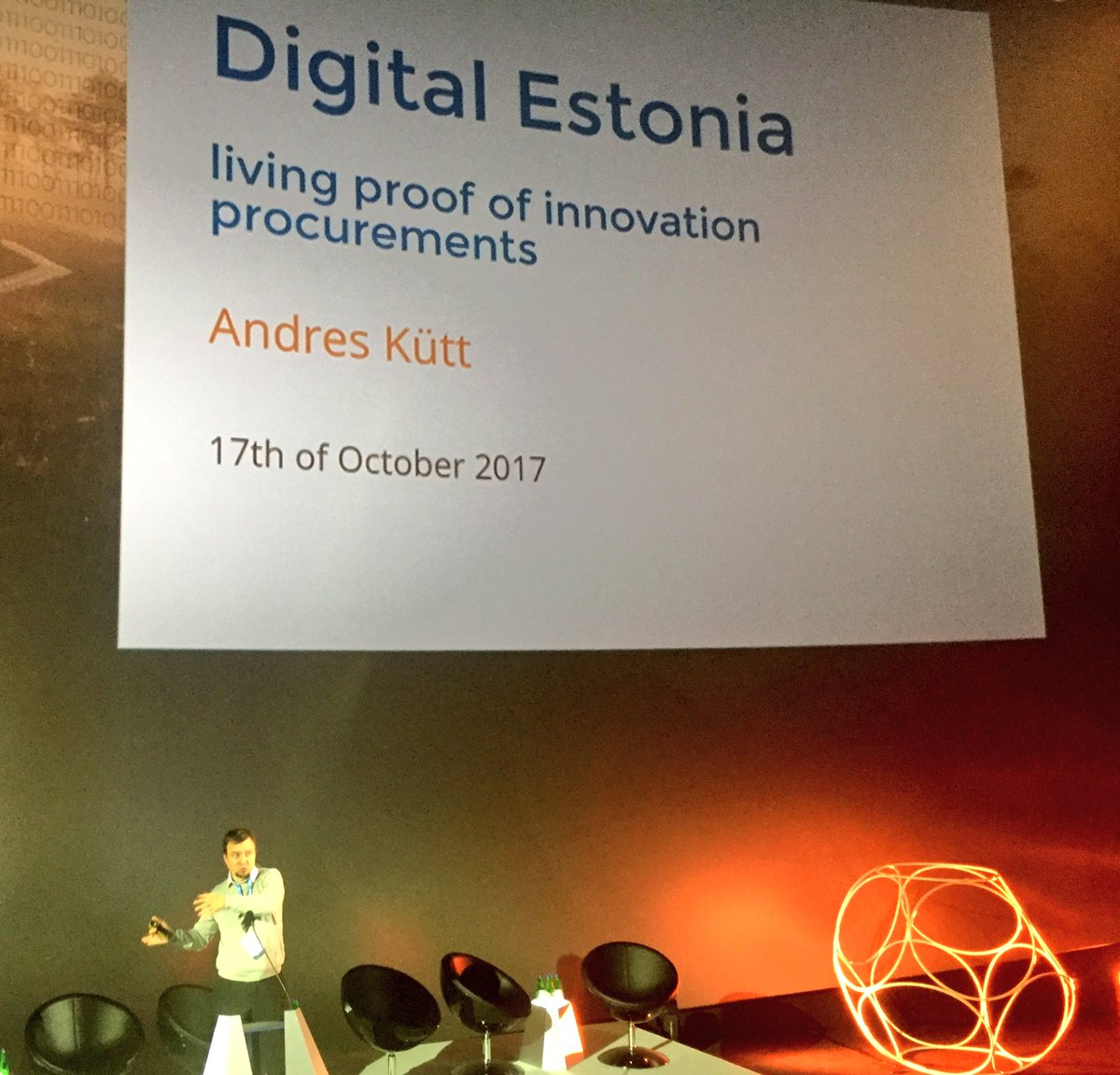 #eu2017ee @eafip_eu @belzaah #e-solutions in #Estonia Users knows their problem Suppliers knows how to innovate @ scale #trust is key<br>http://pic.twitter.com/u89kUcxpQc