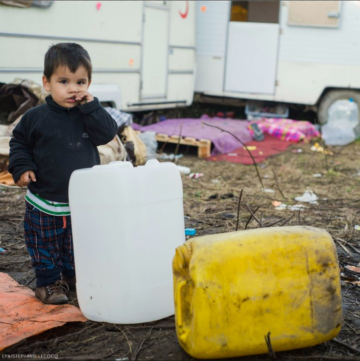 Many of the #migrants are living without shelter &amp; proper access to drinking water, toilets or washing facilities  http:// ow.ly/KUQM30fVJDE  &nbsp;  <br>http://pic.twitter.com/wtnQnCsKRa