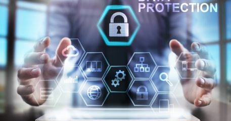 Our CTO &amp; other #payments chiefs talk #Equifax #breach &amp; how firms can keep consumer data safe @pymnts  http:// bit.ly/2yI9iur  &nbsp;  <br>http://pic.twitter.com/EmryWTOyr2