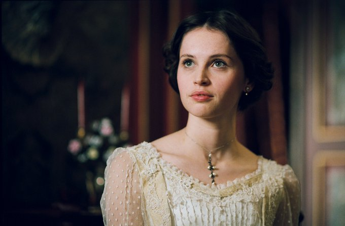 Wishing a happy birthday to Felicity Jones who played Edmée in Chérie (2009)