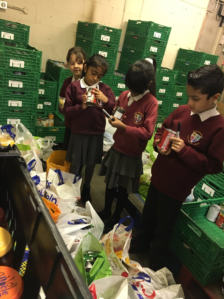 Thank you to everyone who donated! We delivered some donations to @FeedFarnworth  this morning! #harvest #giving<br>http://pic.twitter.com/xTEWsK6odI
