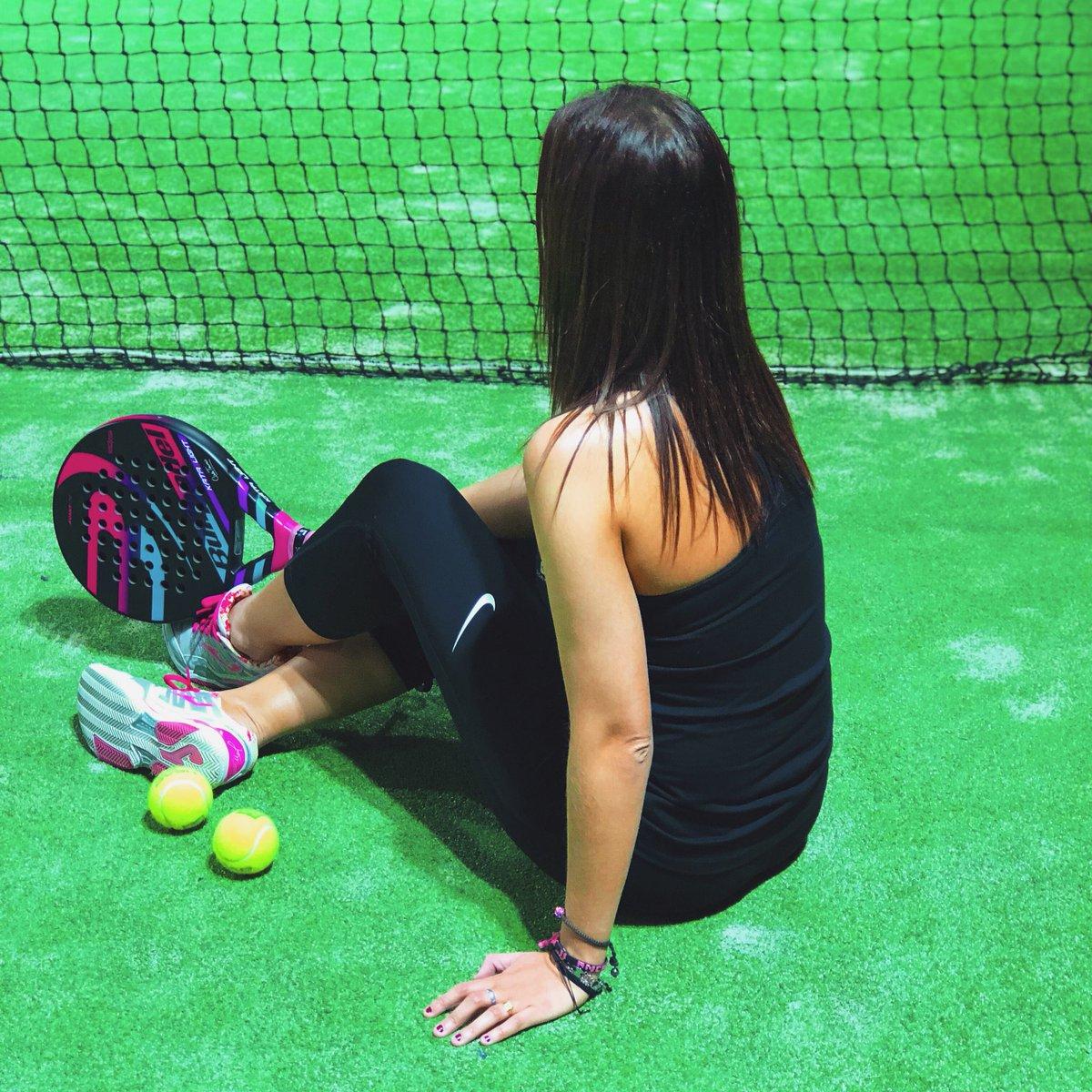 #padel #padelfun #padelindoor #padelclub #ilovepadel #bullpadel #sport #padelmania #padelfemenino #padeladdict #padeltime #padelgirls pic.twitter.com/UiKsr4v9B8