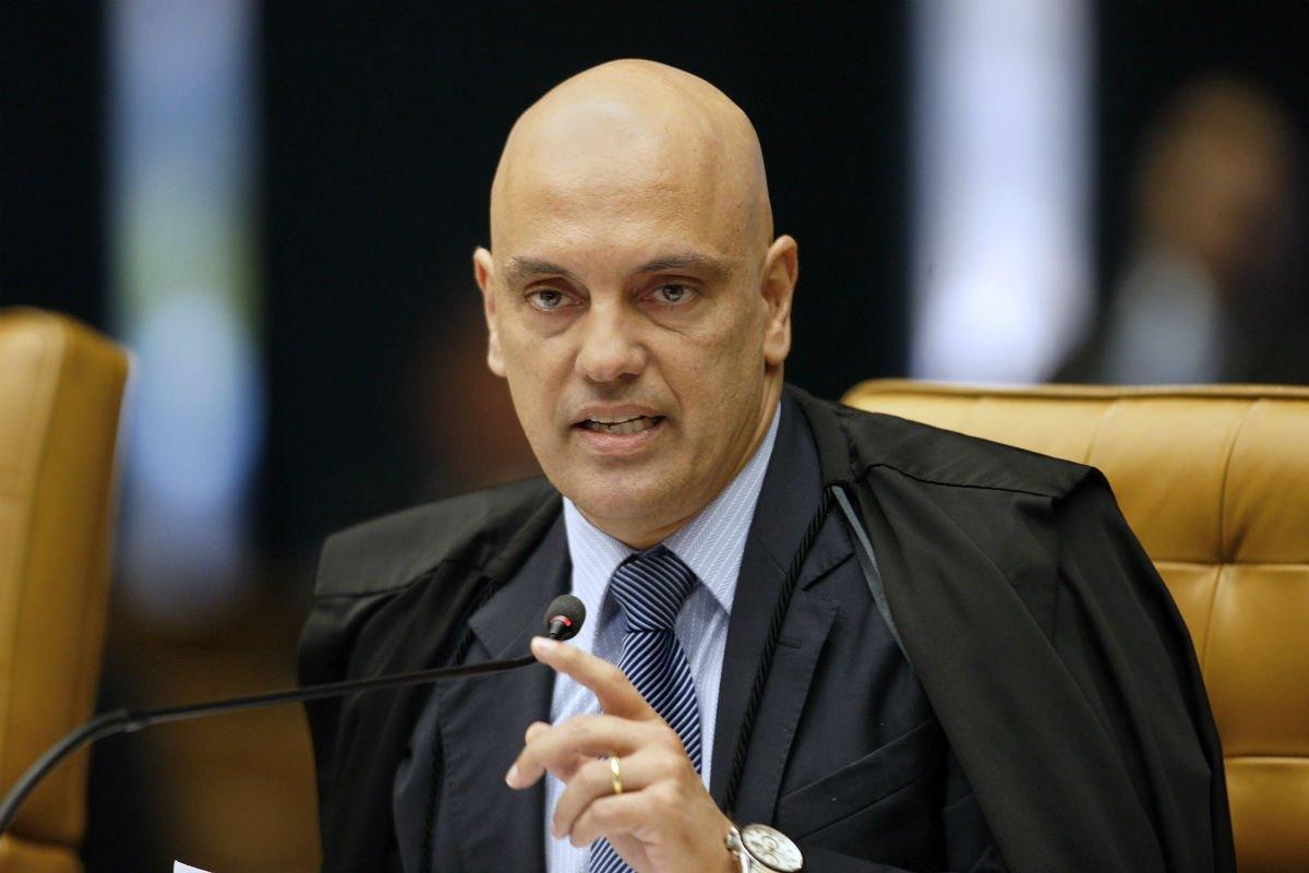 Moraes determina voto aberto em sessão que decidirá destino de Aécio https://t.co/uVyIzhwKQ7