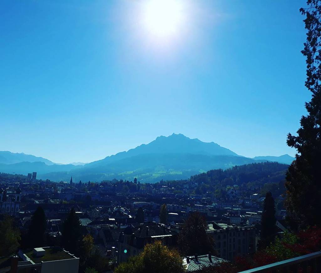 We&#39;re in love  with autumn in Lucerne #discoverlucerne #livelifetodiscover #pilatus #mylucerne #inlovewithswitzerland<br>http://pic.twitter.com/9J0TMJfykt