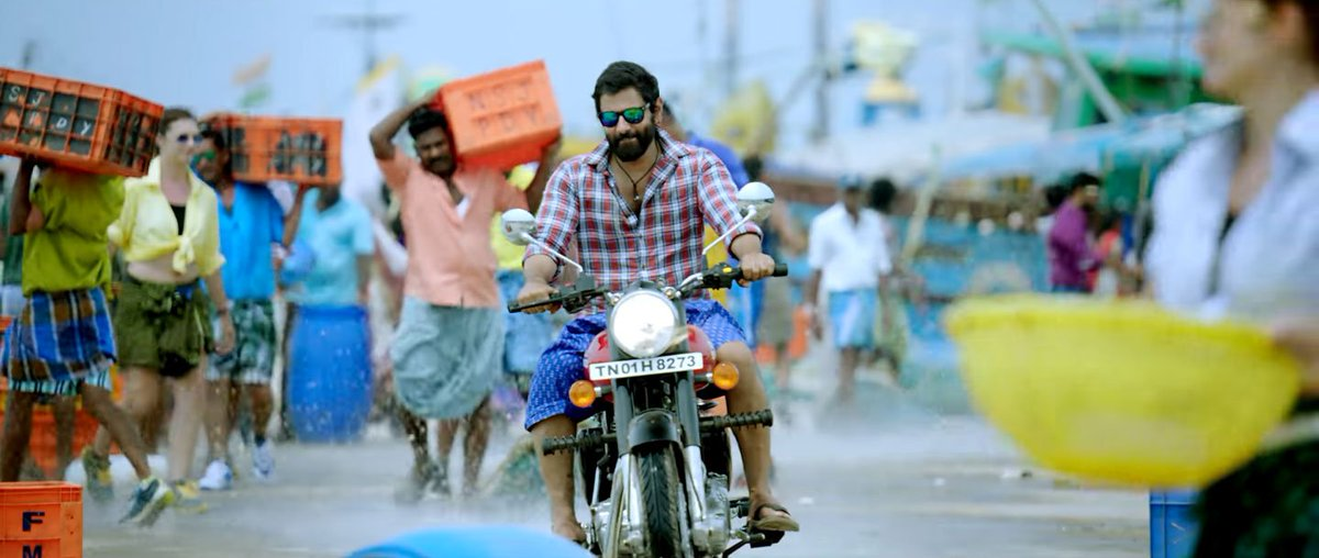Here&#39;s the wonderful #SketchTeaser  http:// youtu.be/ddRyInAwFl0  &nbsp;  . Great one by #ChiyaanVikram. #Sketch <br>http://pic.twitter.com/k3Fq5C3VQ5