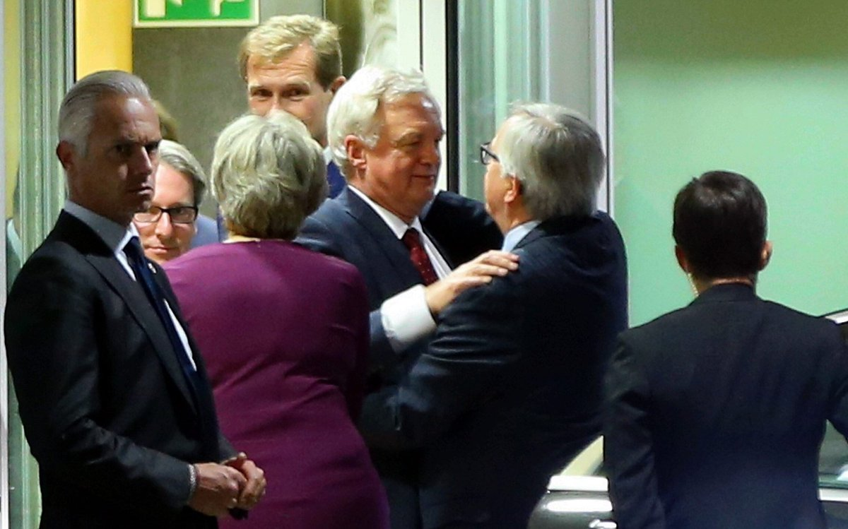 EU leaders must give Theresa May more than scraps from Jean-Claude Juncker's table, says @asabenn https://t.co/S7zqadTzM5