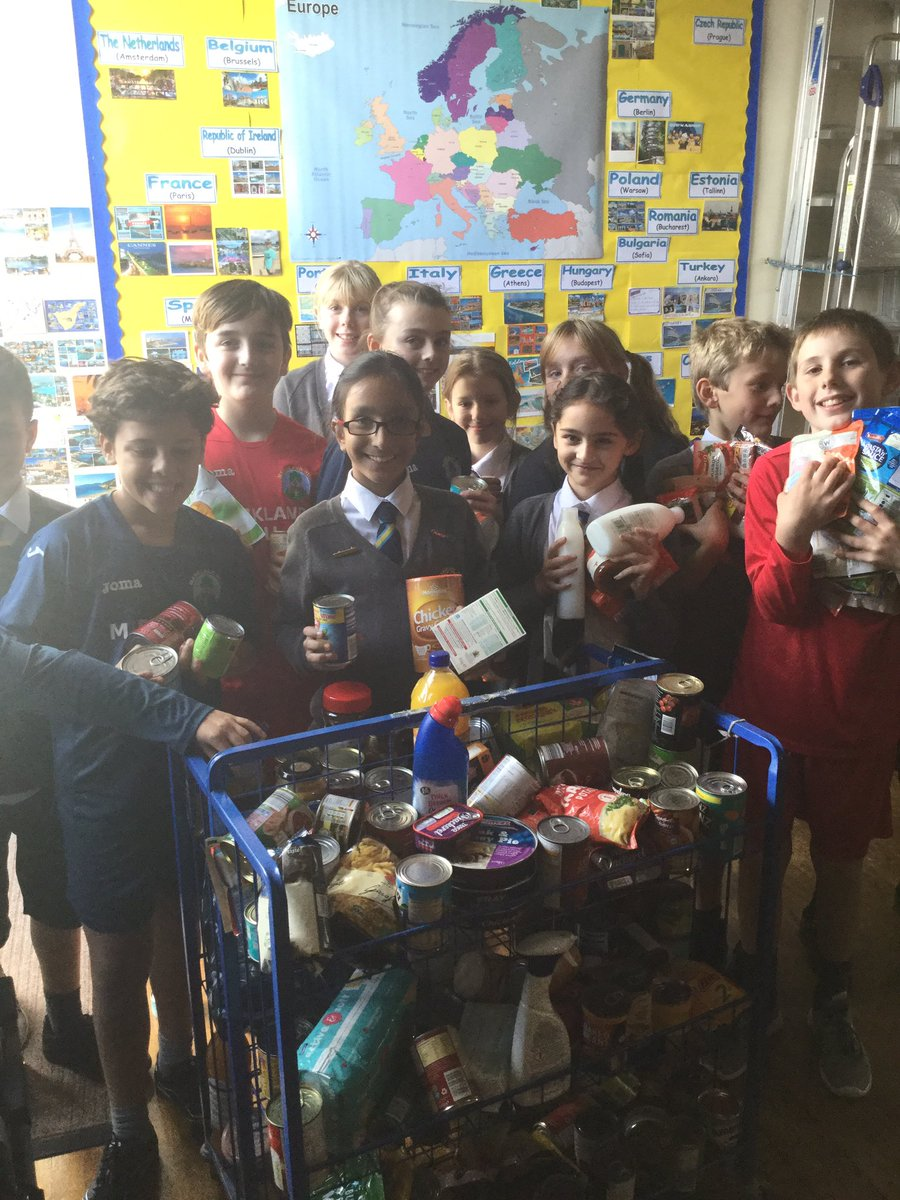 School council loading our #Harvest donations for @UrbanOutreachUK #giving #kindness #sharing<br>http://pic.twitter.com/lcEh1MuvB4