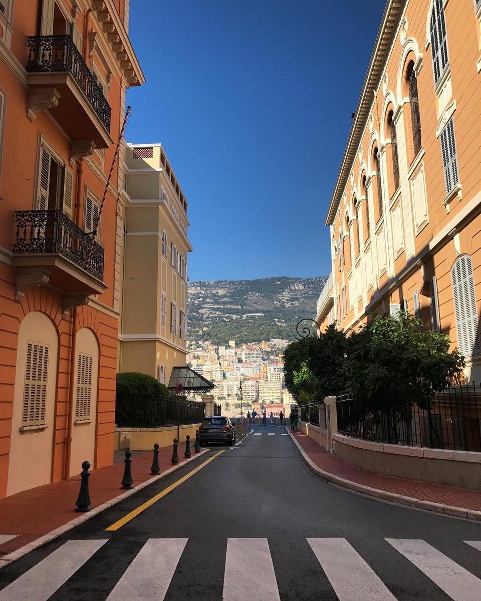 Oh the beauty of a car-free street  No noise, pollution or endless traffic  Car-free = Carefree  #monaco #montecarlo #victordemonaco<br>http://pic.twitter.com/eLsA9f91aT