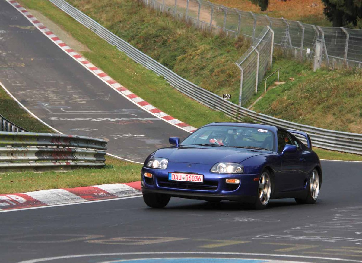 Yep, that&#39;s a Supra, lapping in convoy with GT86 and at pace. Awesome! Would love to know why too. And have a go. @ToyotaGB #Supra <br>http://pic.twitter.com/1dK4NH3PDK