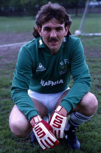 RT @FootballInT80s: RT if you think @NevilleSouthall was the best goalkeeper of the 1980s https://t.co/ipRUz4AE2t