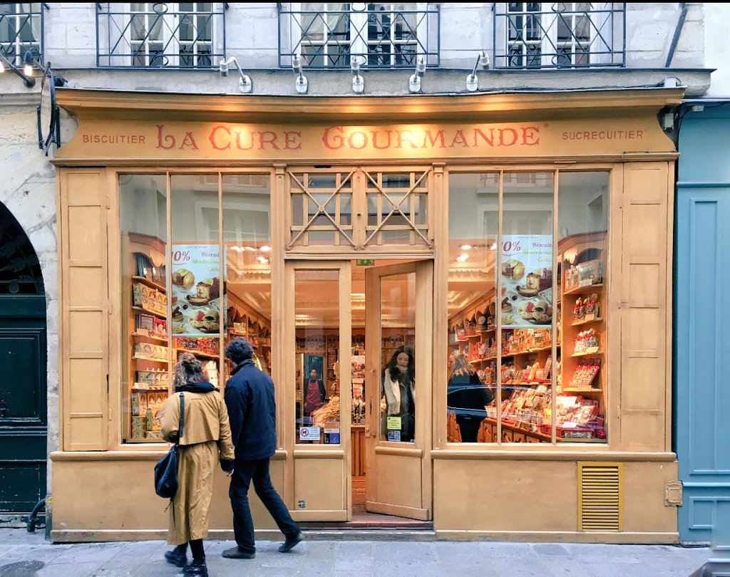 Delicious window shopping  #Paris #LuxuryTravel #TravelTuesday *Lang <br>http://pic.twitter.com/ND70xR4B9e