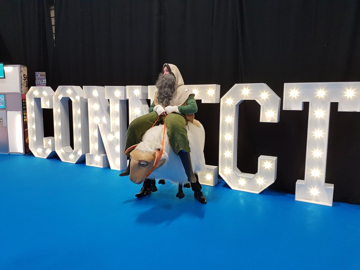 Wild animals on the loose! #hollywoodledletters #connectshowcase #connect17 @ConnectShowcase @TheRDS #Dublin #Ireland #eventprofs  <br>http://pic.twitter.com/rE8RdTjs5r