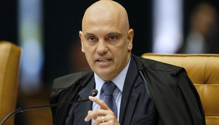 Moraes determina voto aberto em sessão que decidirá destino de Aécio https://t.co/XirHTeLCrd