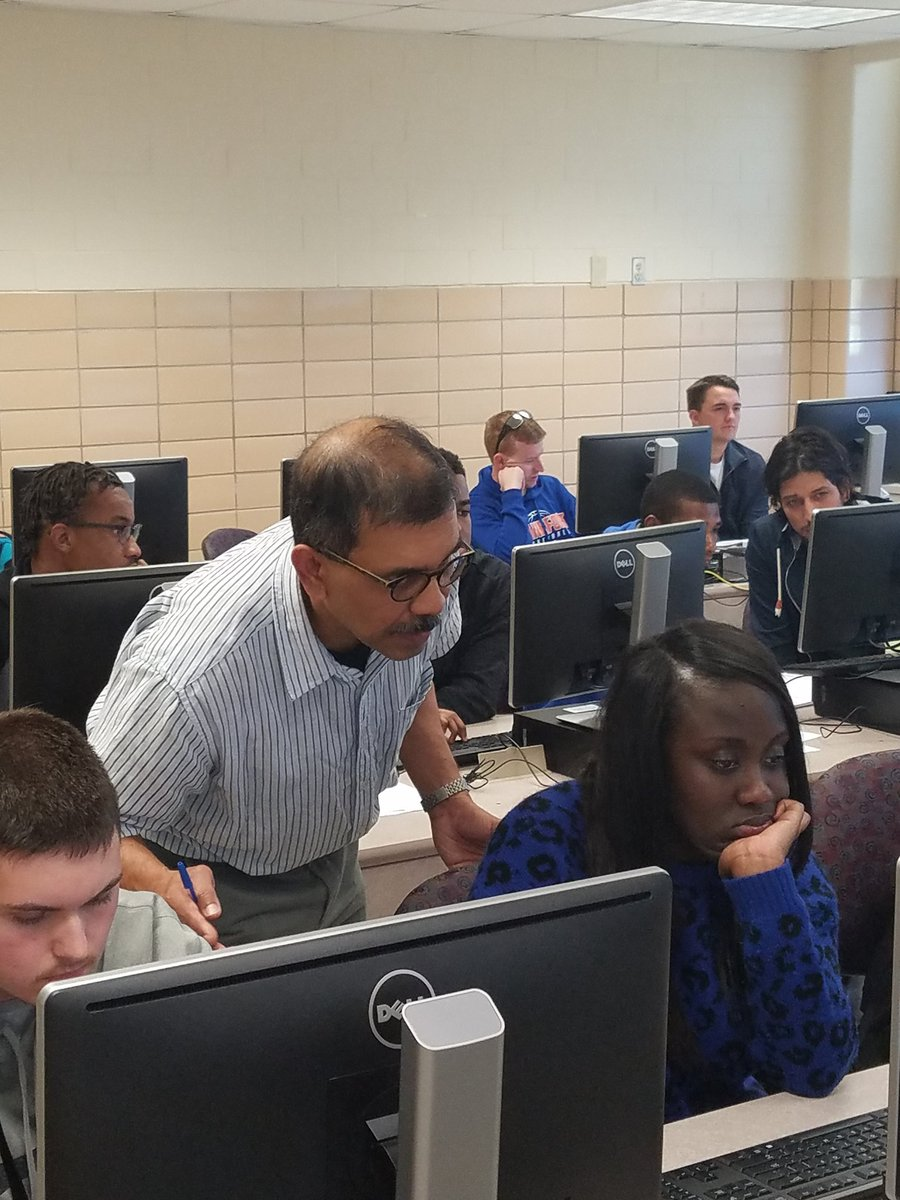 Dr. Kazi Javed @KyStateU  preparing students to engage in world-class research. #researchintegrity  #KSUForward. #KYepscor @NSF_EHR<br>http://pic.twitter.com/r5zZ2FcFIO