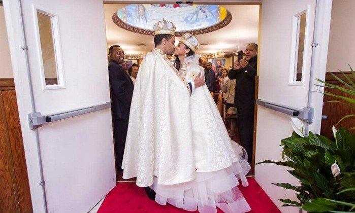 Americana vira princesa da Etiópia após conhecer marido em boate. https://t.co/zqnbWNg061