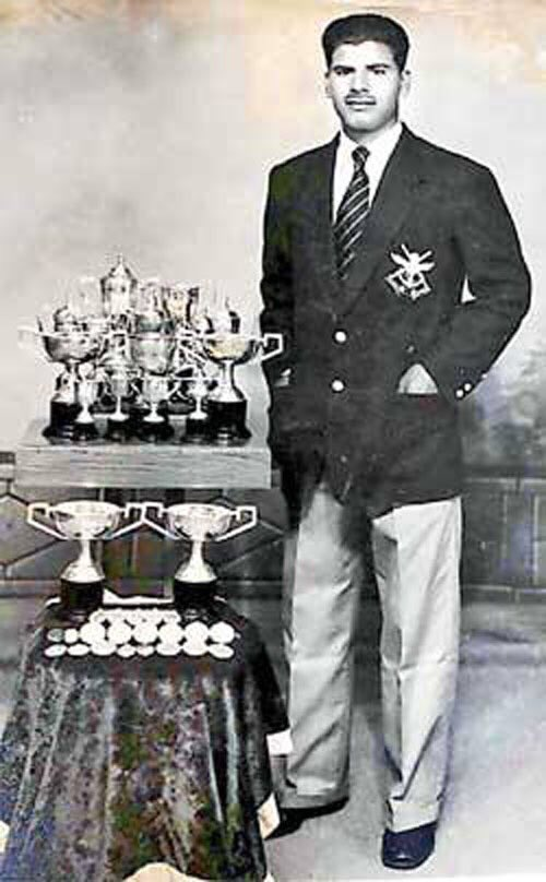 Sad demise of fellow Olympian Mehboob Shamsher Khan  Our heartfelt condolences to his family.  May he #RIP  #1956Melbourne<br>http://pic.twitter.com/7Be8g9TGEv