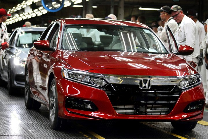 Get excited for the all-new 2018 Honda Accord, which has officially started production in Ohio! #firstinline #hondavillage #honda #newcar<br>http://pic.twitter.com/InjniHQvpd