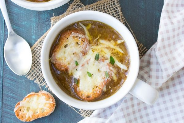 Rich and comforting! Easy French Onion Soup https://t.co/bPgN3DvGmU