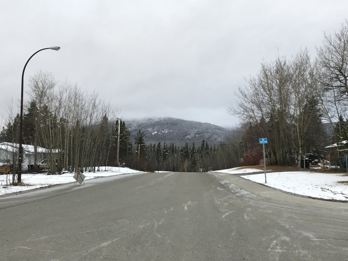 Beginnings of a #winterwonderland  #Whitehorse #Yukon<br>http://pic.twitter.com/GgLJhTH0t5