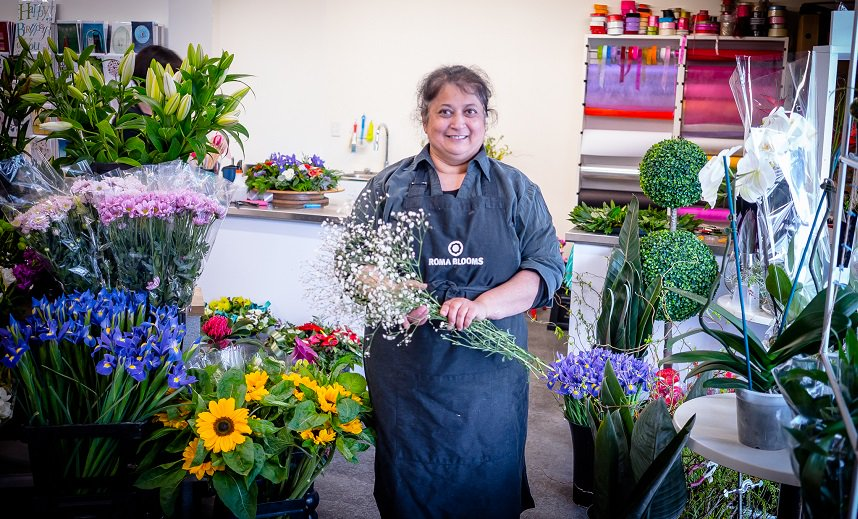 Flowers and making magic on Albert St in this great piece on @RomaBlooms by @simonbwilson for @TheSpinoffTV  https:// thespinoff.co.nz/auckland/18-10 -2017/the-flower-seller/ &nbsp; …  - feat. the good work done by #TeamADO @AklCouncil @activateAKL @AklDesignChamp #auckland #retail <br>http://pic.twitter.com/ZSHcTukk3L