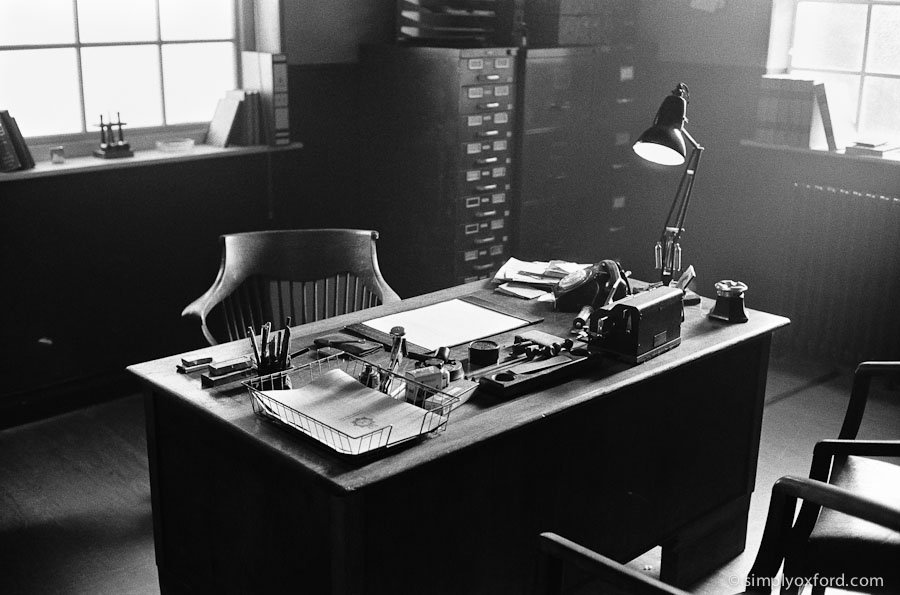 New #Endeavour blog post, inside the Police station:  http://www. simplyoxford.com/?p=3889  &nbsp;   #Leica M6, @ILFORDPhoto HP5 #film ISO1600<br>http://pic.twitter.com/2f4i4dYbxF