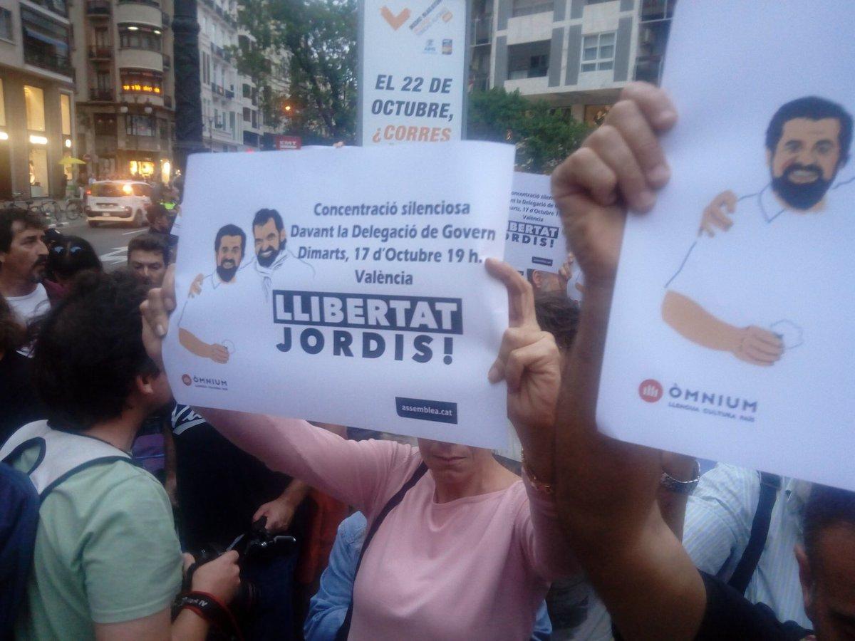 #LliberatJordis Concentració a València....