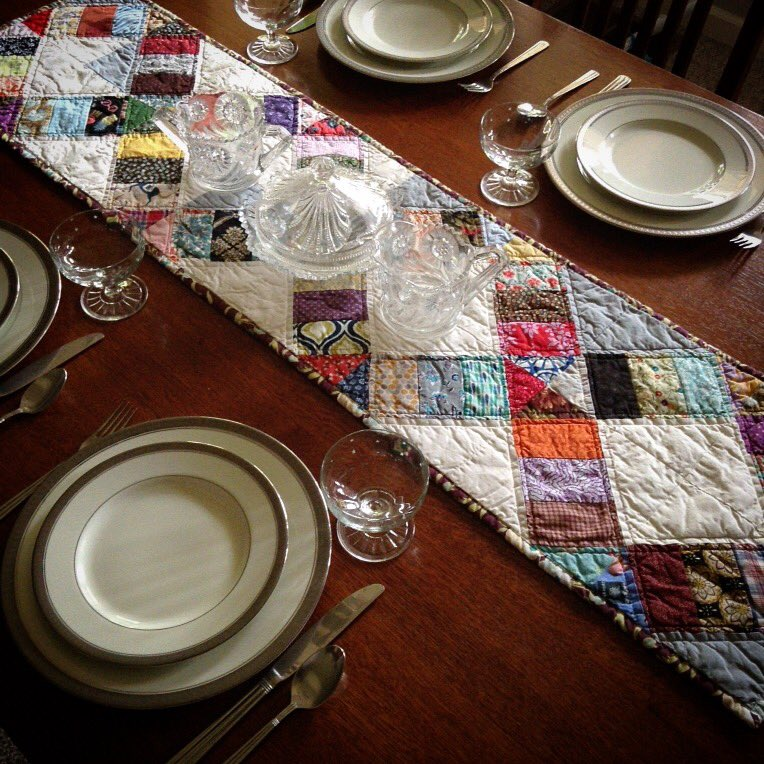 I just listed this table runner. Now back to watching chicks hatch   #dinnerparty  https://www. etsy.com/listing/551653 582/handmade-quilted-table-runner &nbsp; … <br>http://pic.twitter.com/2vLZesw92J