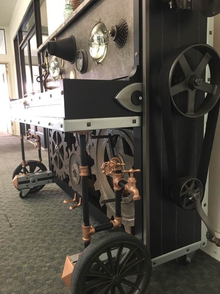 If you're going to Yasoo, Xoximilcos or the Bagel Cafe, check out the new #StocktonPiano inside the building. #steampunk #amazing