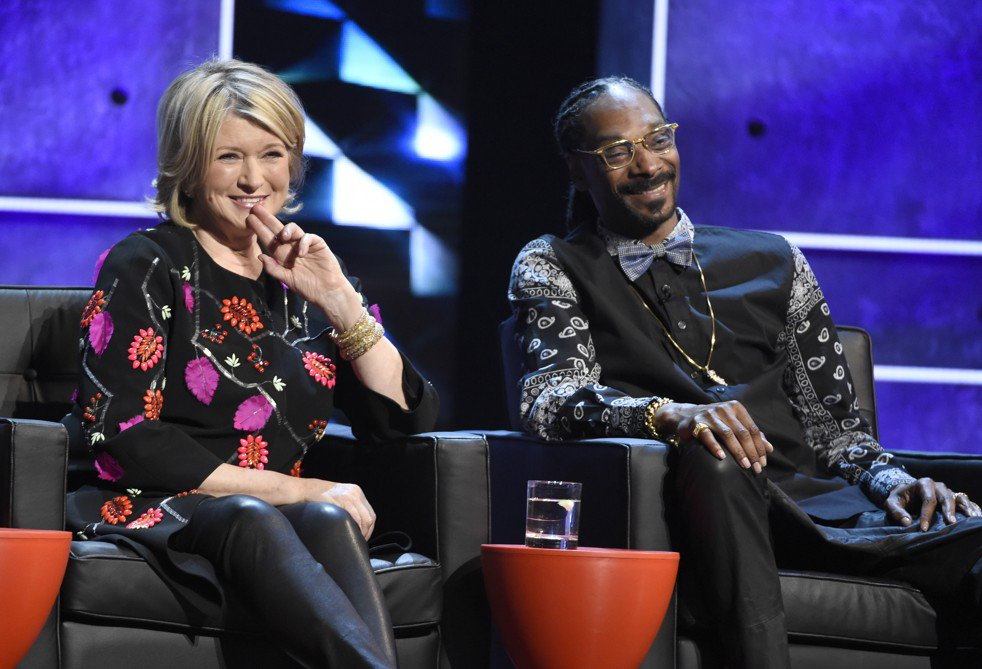 Forget the handmade wreaths. Now Martha Stewart hangs with Snoop Dogg and makes weed jokes. https://t.co/dxgSGejHx7