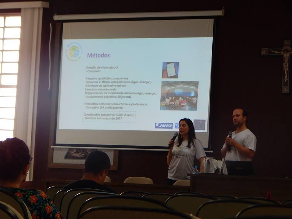 Presenting @BrazilNexus #project and #survey to #UNISAL #academics #undergraduates and  #PIBID #students @unisal #Lorena  #nexus #brazil<br>http://pic.twitter.com/zOGg8aDTUT