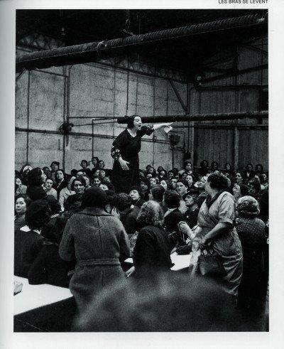 'Levantes' é uma viagem através da história do homem como protagonista de insurreições. Leia reportagem sobre a exposição, inaugurada no último ano em Paris e que chega no @sescpinheiros, em São Paulo, nesta quarta-feira (18): https://t.co/fPjS63w5E7