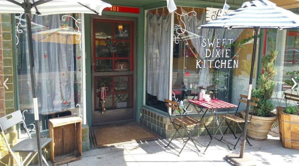 Long Beach brunch spot unabashedly reheats and serves Popeye's Fried Chicken https://t.co/ew30mjlkM6 https://t.co/EVxvWxzqX1