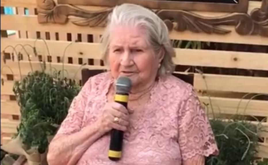 >@esportefera Vovó provoca: 'Eu tenho 100 anos e nunca vi o Palmeiras ser campeão mundial' https://t.co/eC54Y8SMa2