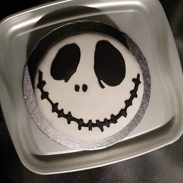 Birthday cake for my sister in law #NightmareBeforeChristmas #jack #birthdaycake #birthday #cake<br>http://pic.twitter.com/n2Vy4oXvkD