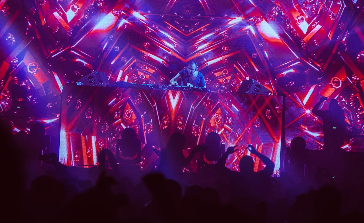 Can You See The Colors?   @vinivicimusic #Avalon #Tristan #JoinTheTribe <br>http://pic.twitter.com/e0pECfwa5V