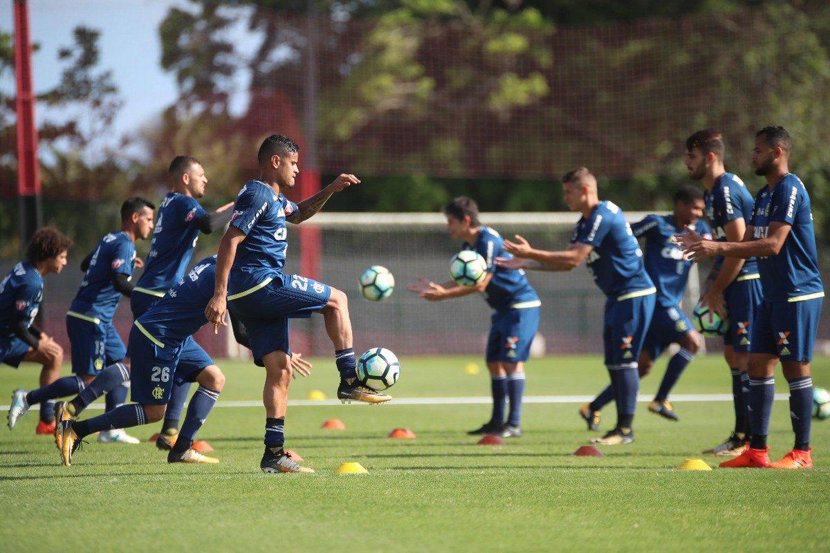 Vamos juntos em busca de mais uma vitória no Campeonato Brasileiro #Va...