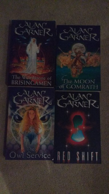 Happy 83rd birthday to the wonderful Alan Garner! Reading Moonstone and Gomrath at an early age changed my life