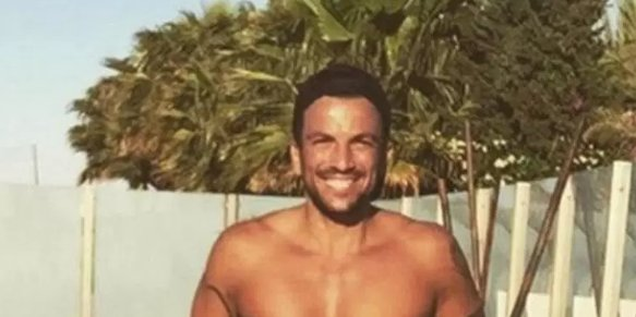 .@MrPeterAndre strips topless and shows off those famous abs in first pics from his 2018 calendar https://t.co/LC1gv9S6et