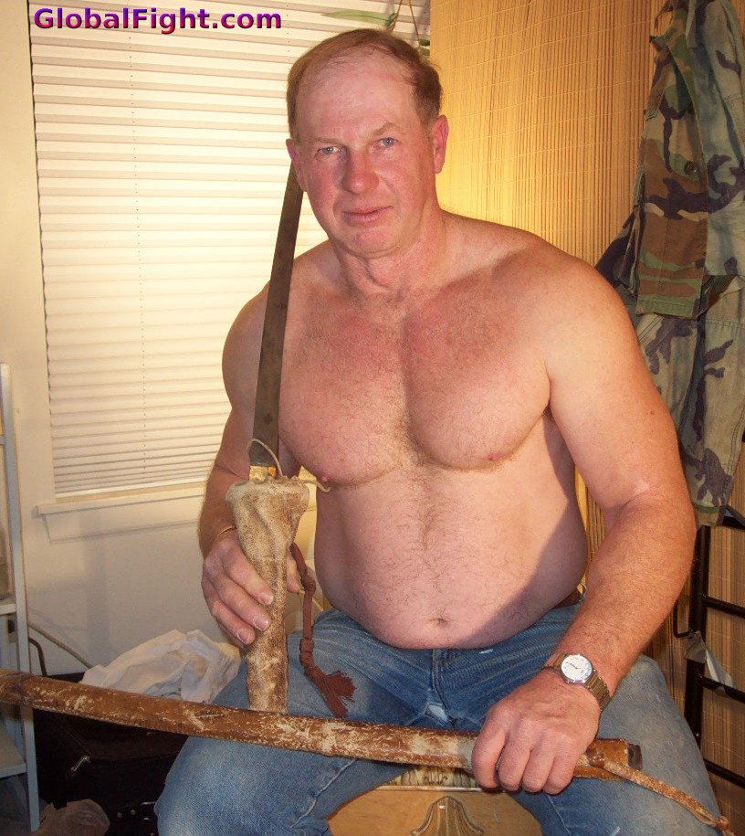 My  http:// GLOBALFIGHT.com  &nbsp;   sword fighter dad #ninja #warrior #veteran #daddy #redhead #sword #fighter #man #hairychest #husband #profile #nc<br>http://pic.twitter.com/8WPTVr59g8