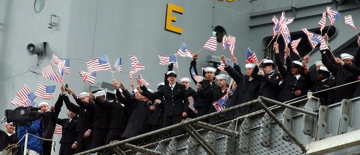 Vietnam Veteran Faces Fines For Flying Navy Flag At Home https://t.co/YzBTmJukEK