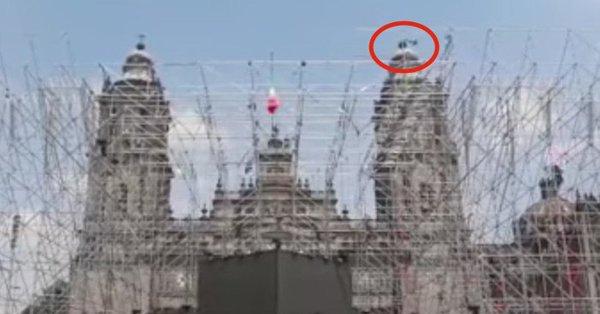 #VIDEO capta el momento en que cae La Esperanza de la Catedral Metropo...