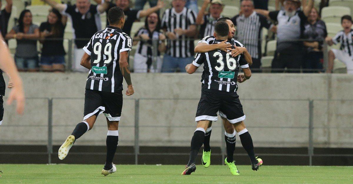 Série B: Ceará vence o Paraná, sobe para terceiro e empurra o adversário para quarto lugar https://t.co/2zE4uGtSFZ
