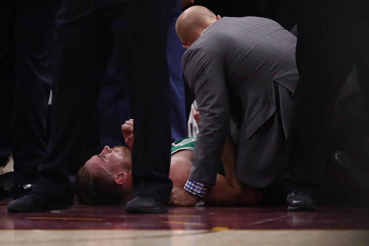 Celtics announce Gordon Hayward has a fractured left ankle https://t.c...