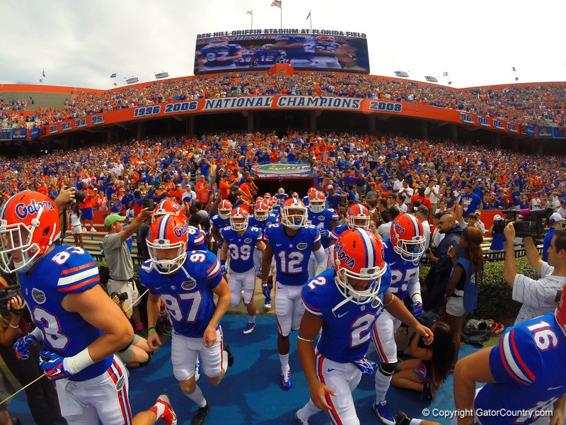 Extremely Blessed to have received a offer from The University of Florida #chompchomp #Swamp @larryblustein @PantherZone @247Sports @D1SDJ<br>http://pic.twitter.com/n9UloA3hEu