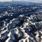First snows of the season as we fly over the American Rockies #winteriscoming @LandRoverUKPR @Team_BMC @Victorinox