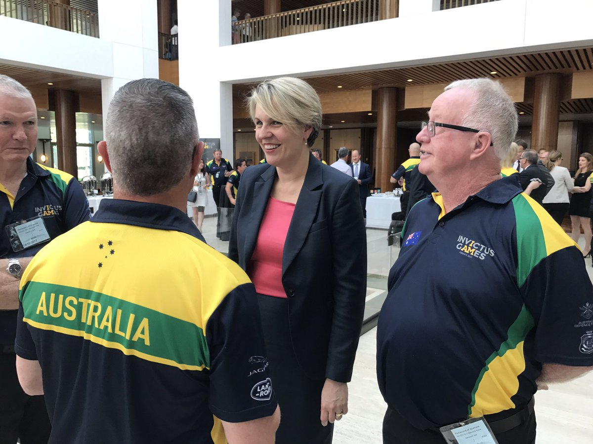 Welcome home Australian #invictusgames team. Thank you https://t.co/Dk...