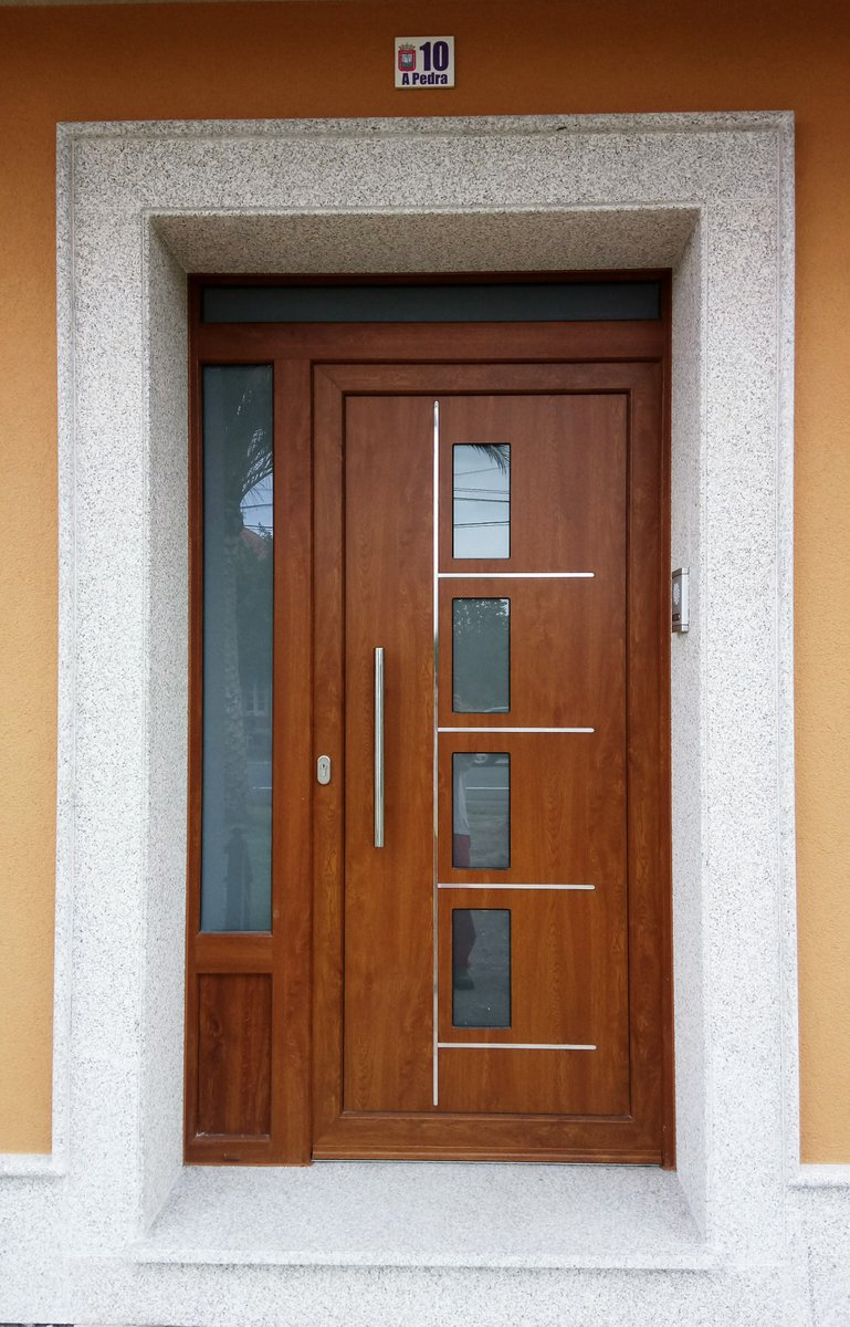 Indupanel on twitter puerta moderna coleccion avplus for Modelos de puertas de madera para exteriores