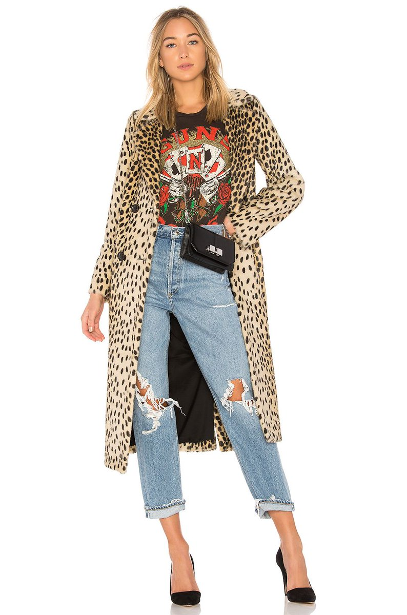 https:// buff.ly/2gtGSwB  &nbsp;   Coat #ootd #vsco #wiw #fashion #style #fashionblogger #whatiwore #streetwear #blogger #FelizMartes #wiwt #moda<br>http://pic.twitter.com/OjjHEflE8Y